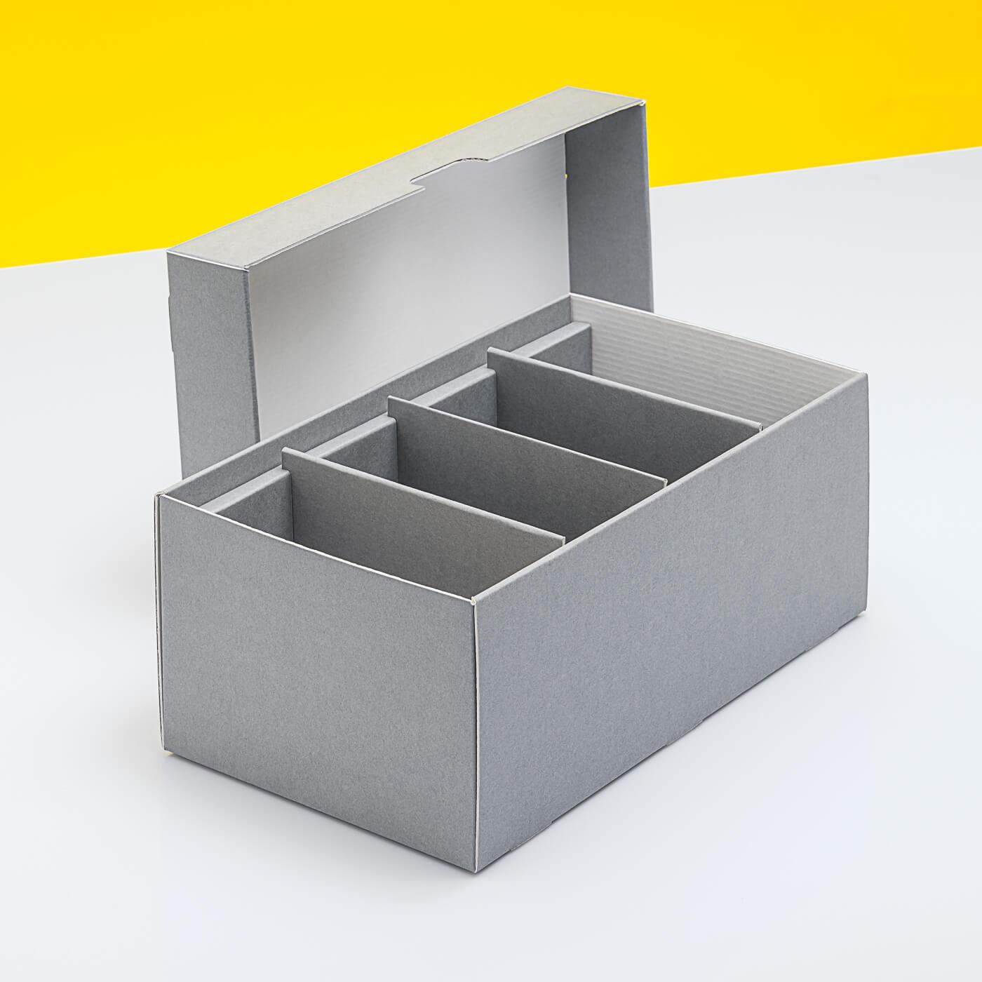 Fotobox mit drei festen Stegen und verkürztem Deckel